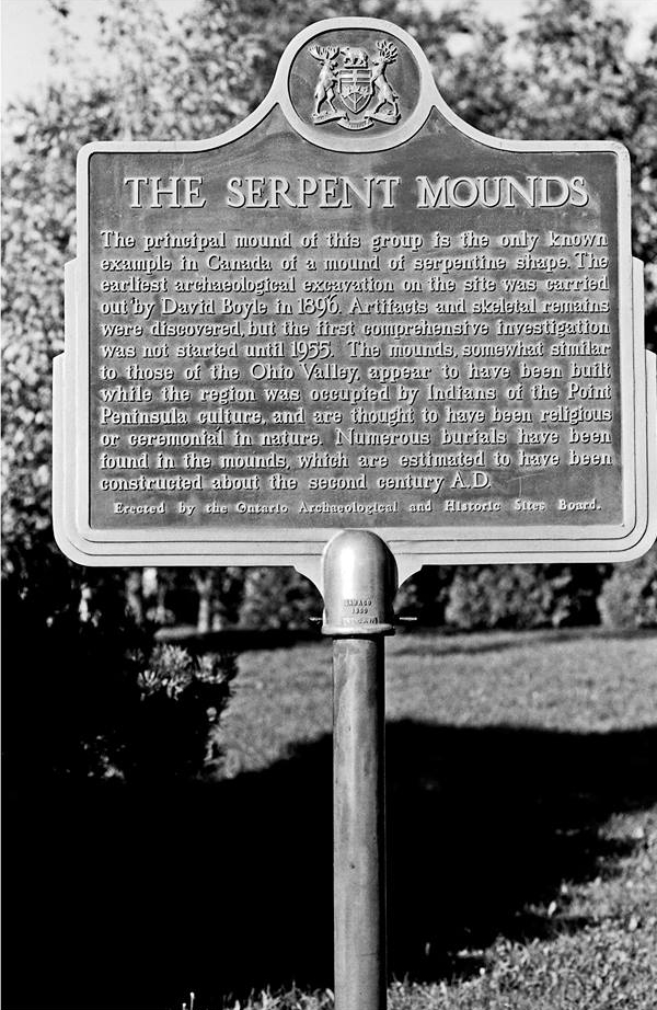 post_st-louis-bridge-serpent-mound_02_jeff-thomas